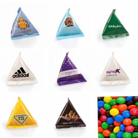 עדשי שוקולד במארז פירמידה ממותג