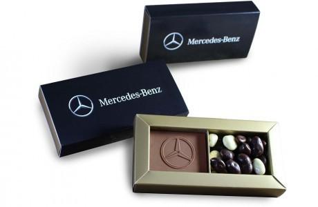 שוקולד עם לוגו בקופסא ממותגת - שני תאים
